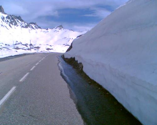 Galibier met dik pak sneeuw