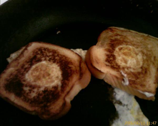 some nice eggy toast