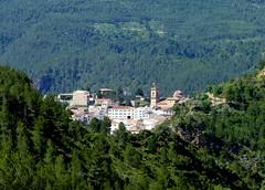 Villahermosa de las montaas (Manel) Tags: geotagged iglesia pinos casas montaas villahermosa villahermosadelrio geolat40199560 geolon0418081