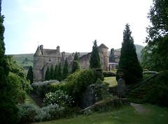 Falkland Palace & Gardens (Andrew Scorgie) Tags: castle garden landscape scotland unitedkingdom fife palace nationaltrust maryqueenofscots falkland nts nationaltrustforscotland falklandpalace