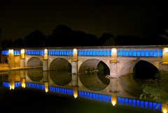 Reflecting on Pont Canal (allanimal) Tags: bridge france reflection tag3 taggedout night tag2 tag1 languedocroussillon bziers allanimal