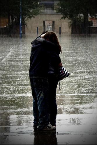 Couple in the rain (Remaster 2)