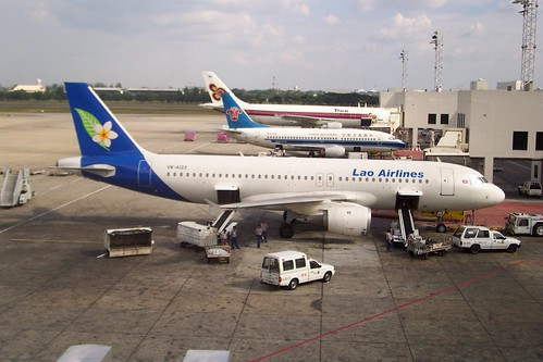 Lao Airlines Airbus A320 in 2003