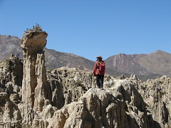 El Hombre Condor in the mountains (Alexander Yates) Tags: travel mountains latinamerica southamerica nature topv111 ilovenature bolivia nativeamerican valledelaluna andes writer lapaz novelist valleyofthemoon mallasa travelwriter alexanderyates