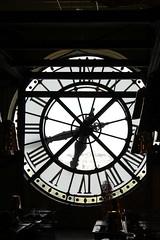 Alone. (teresarighetti) Tags: sky paris clock follow amour cielo orologio controluce parigi followme parigino pleasefollowme loveparigi