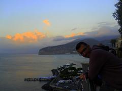 Non tutti i mali vengono per nuocere (mnovela2293) Tags: sorrento costaamalfitanaitaliacampania ocasomirador baranda turistas