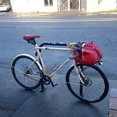 Fixed-gear bagels (Tysasi) Tags: photostream gt talera fixie fixedgear 650b randonneuse randonneur bike porteur porteurrack porteurbag porteurbike cargobike shopping bagels henryhiggins discbrake