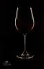 Weinglas mit Rotwein (Simone Schloen ☞ www.bilderimkopf.de) Tags: weinglas wein glas rot produktfotografie low key wine glass red product photos simoneschloen festbrennweite studioaufnahmen dunkel dark