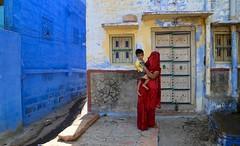 Mother and Son (Alex L'aventurier,) Tags: jodhpur inde india rajasthan colors couleurs blue city bluecity woman kid son boy sari door details devay windows fenêtres