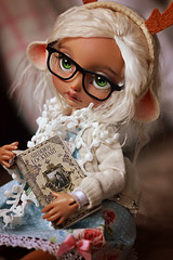 ☆ Head full of Magic ☆ (Shimiro Kestrel) Tags: bjd doll poulpy cerisedolls lillycat bjdphotography bjdportrait bjdcustom dollphotography cute kawaii geek potterhead harrypotter fawn