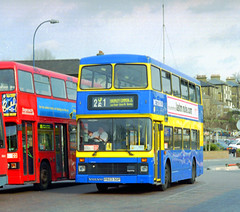 Metrobus P823SGP Lewisham 8 March 2000 (The original SimonB) Tags: london film buses march 2000 transport scanned