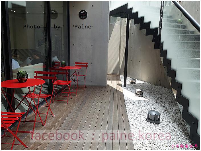 江南221B in Seoul coffee lounge (24).JPG