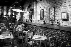 OF-precasamento-RaqueleChristiano-430 (Objetivo Fotografia) Tags: bar ensaio amor carinho raquel fotos cerveja casal poa esporte corrida namorados sombras ceva noiva bebida copos detalhes tnis gasmetro dois fotografias ensaiofotogrfico unio luminrias sentimento noivo noivos christiano usinadogasmetro tocadacoruja orladoguaba ensaioprcasamento