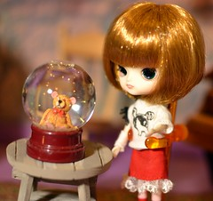 Little Dal Rot Chan with Snow Globe (Thor In The Garden, Pullips, Blythe, Monster High,) Tags: dal rotchan pullip dollhouse christmas dolls collectibledolls bigheadeddolls