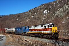 EL Colors at Point of Gap (Erie Limited) Tags: dl delawarelackawanna alco c425 pointofgappa delawarewatergap poconomain c636 pt98 dl2461