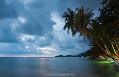 Relaxing Spot (kevin.roth94) Tags: longexposure sunset tree beach water palms thailand island sand asia dusk palm tha kohchang trat blauestunde sdthailand klongpraobeach southeastthailand theemeraldcove
