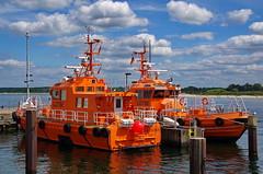 Lotsenboote Travemnde (pentaxfinger) Tags: sea orange deutschland baltic lbeck ostsee travemnde trave norddeutschland flus lotsenboote pentaxfinger