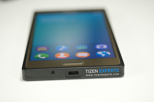 "Samsung-Z3-Developer-Device-TM1-Tizen-Experts-10 • <a style=""font-size:0.8em;"" href=""http://www.flickr.com/photos/108840277@N03/19676125044/"" target=""_blank"">View on Flickr</a>"