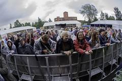 Maija Vilkkumaa yleisöä