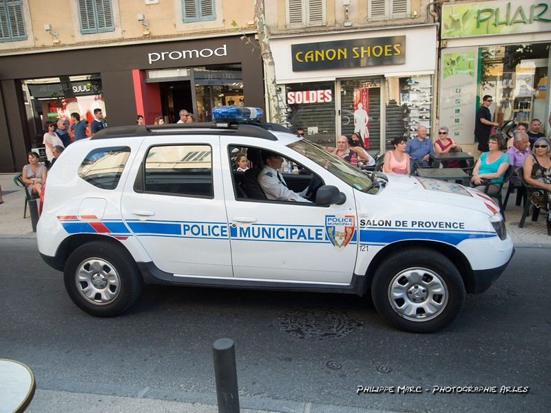 The world 39 s best photos by philippe marc photographies mediacam13 arles flickr hive mind - Police municipale salon de provence ...