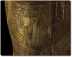 Goddess Detail from the Outer Coffin of Tutankhamun (oar_square) Tags: egyptianreligion egyptianart coffinsofkingtutankhamun discoveredbyhowardcarter mummifiedfigureofosiris crook flail