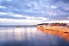 Effetto ghiaccio - Ice effect. (sinetempore) Tags: mare sea ionio salento puglia portocesareo barche boats nuvole clouds lungaesposizione longexposition acqua water effettoghiaccio iceeffect