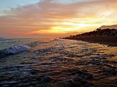 La orilla (Antonio Chacon) Tags: andalucia atardecer marbella málaga mar mediterráneo costadelsol españa spain sunset