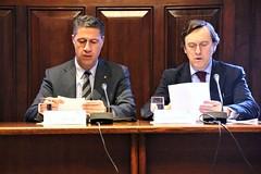 Xavier Garcia Albiol con Rafael Hernando preparando la reunión de trabajo