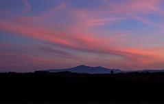 Sunset in Leonina [EXPLORE] (Antonio Cinotti ) Tags: landscape paesaggio toscana tuscany italy italia siena hills colline campagnatoscana cretesenesi asciano leica leicat sunset tramonto clouds nuvole monteamiata leonina