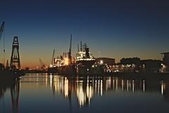 Hafen 3 (heiko.moser (+ 11.700.000 views )) Tags: bremerhaven habor hafen longexposure night nigthligth nacht light licht lightning canon city color heikomoser
