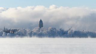 Suomenlinna in sea smoke at -20°C (Helsinki, 20170106)