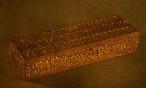 "Senet - Lujoso sistema de objetos lúdicos obsequio del dios Toht a la faraona Nefertari • <a style=""font-size:0.8em;"" href=""http://www.flickr.com/photos/30735181@N00/32369503512/"" target=""_blank"">View on Flickr</a>"