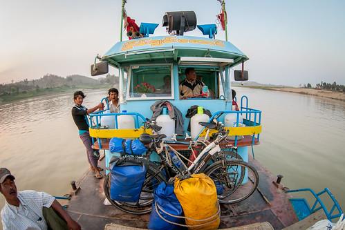 Dziób łodzi i nasze rowery