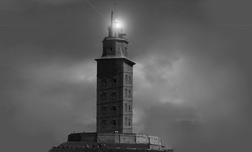 "Torres legendarias / Faros, minaretes, campanarios, rascacielos • <a style=""font-size:0.8em;"" href=""http://www.flickr.com/photos/30735181@N00/32493399426/"" target=""_blank"">View on Flickr</a>"