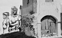 Bantu warriors - Guerriers Bantous, Azemmour, Morocco - Maroc. (Olivier Simard Photographie) Tags: africa blackandwhite bw streetart wall painting graffiti noiretblanc northafrica wallart nb peinture morocco berber maroc medina warrior mur fresco artmural afrique fresque berbre mdina kouka guerrier azemmour artdesrues rempartsfestival festivalremparts