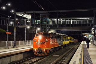S302 at Shellharbour Junction
