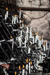 Festa-de-Trindade-1992 (Murilo Pimenta) Tags: gua de maria jesus igreja luzes criana festa pai velas pedras pais f sobre orao deus gruta devoo virgem trindade chamas cascata romaria eterno orar tradio divino pedir