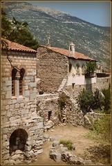 Monasterio de San Lucas (jose luis naussa ( + 1,8 k w. )) Tags: sanlucas bizancio 537  monasterios ysplix    greciahellas
