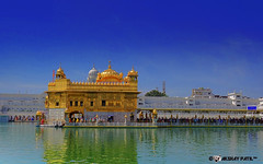 golden temple amritsar on sunny day (akshaypatil™ ® photography) Tags: temple golden amritsar goldentemple