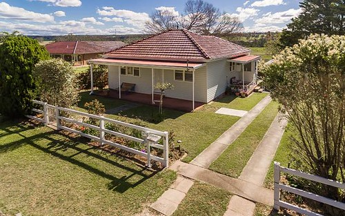 829 Montpellier Drive, The Oaks NSW 2570