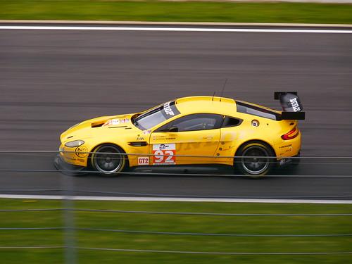 Aston Martin V8 Vantage GT 2 N° 92 ( Robert Bell - Darren Turner )