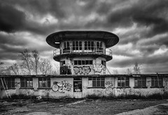 Watchtower (Zesk MF) Tags: bw black white zesk nikon terre rouge urbex abandoned verlassen lost place graffiti dark sky clouds wolken nikkor