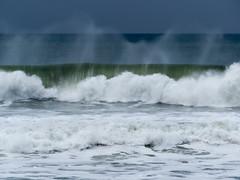 IMG_2888.jpg (sfanshier) Tags: winterwaves beach torreypinesstatebeach ocean torreypinesstatepark waves
