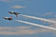 Thunderbirds solo #5 and opposing solo #6 (skyhawkpc) Tags: 6 nikon 5 solo aurora co thunderbirds usaf allrightsreserved fightingfalcon f16c aurorareservoir rockymountainairshow garyverver unkbuno