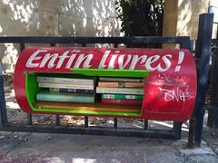 Aix (pineider) Tags: en france apple boobs titts libri topless provence francia libre aix lire provenza iphone aixprovence 6plus