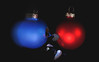 Have a cracking X-Mas everyone! (Wim van Bezouw) Tags: christmas ball bauble object sony ilce7m2 speed cracked highspeed plutotrigger