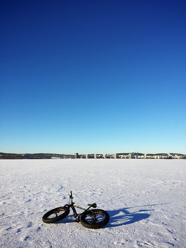 Fatbiking on ice 3