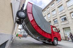 Der Truck an der Wand (Heiko S.) Tags: truck mercedes kunst karlsruhe marktplatz zkm lkw erwinwurm ka300