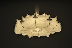Méduse / jelly-fish (un sablier) Tags: beaubourg paris pompidou méduse jellyfish marcelwanders zeppelin lamp lustre chandelier lampecocoon castiglioni