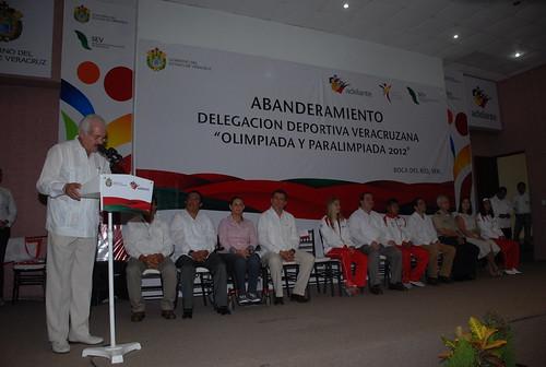 El gobernador Javier Duarte abanderó a Delegación Deportiva que representará a Veracruz